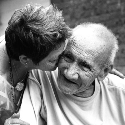 old-people-beauty-care